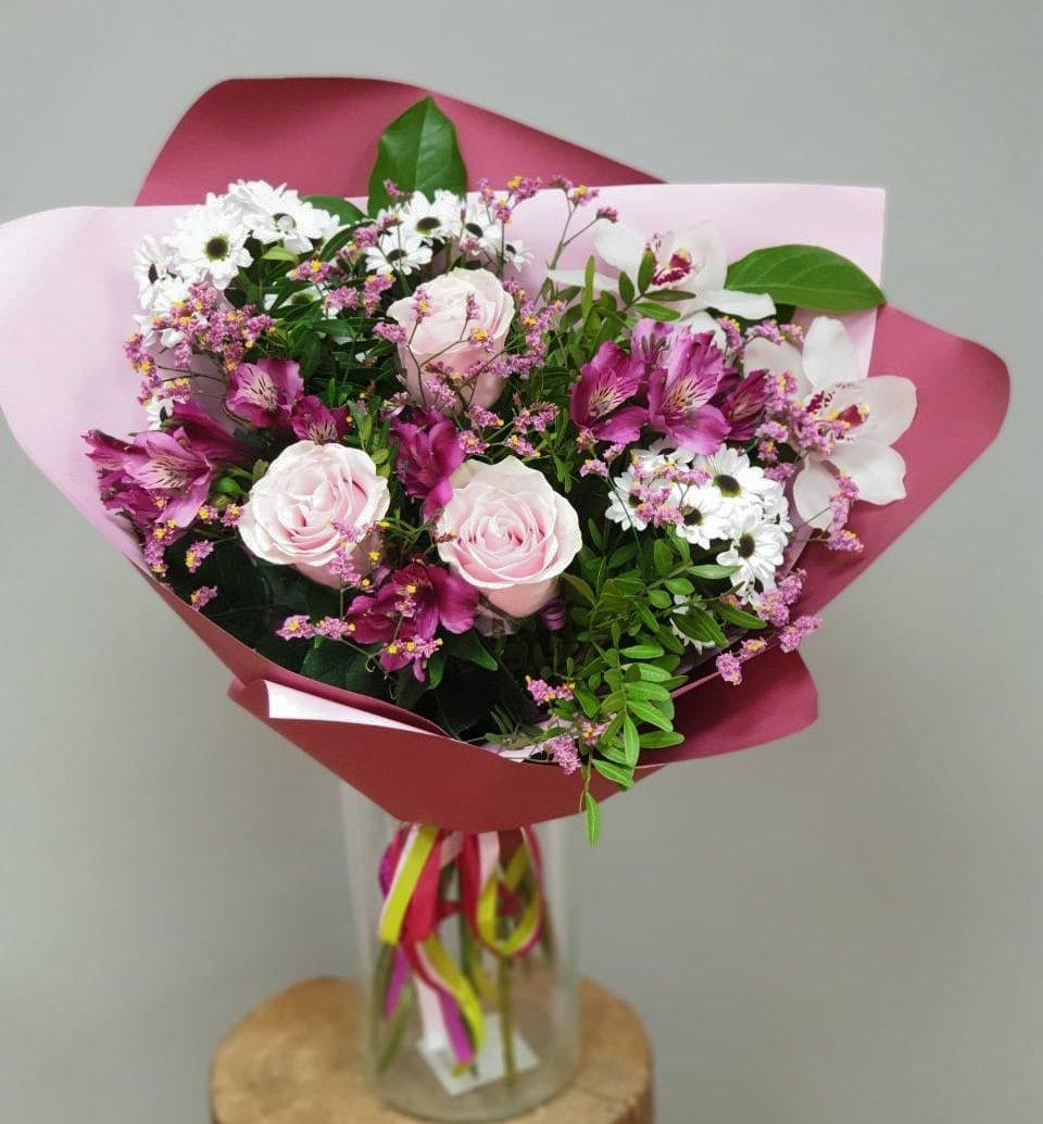Букет из роз и альстромерий фото, доставка цветы москва
